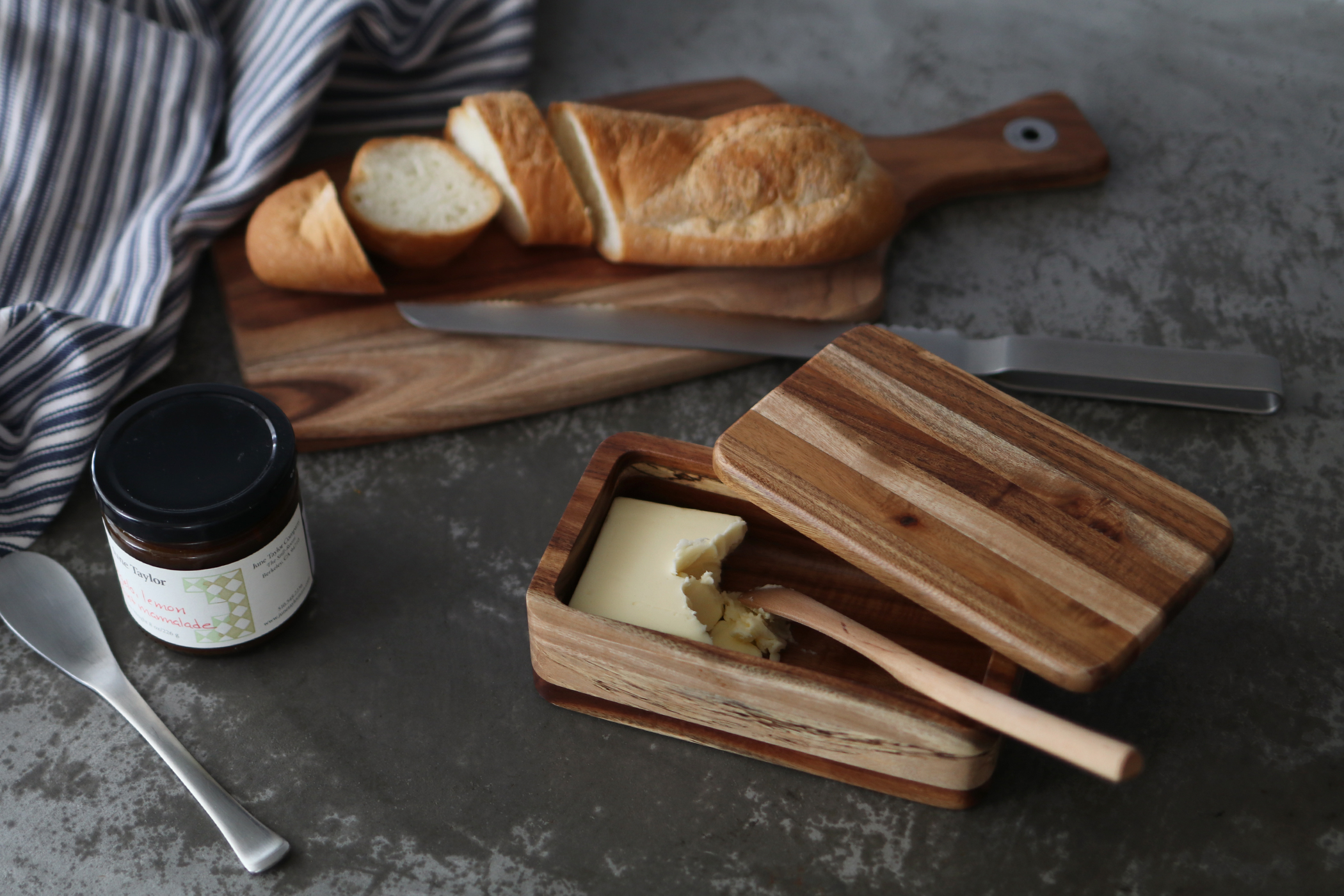 ACACIA WOOD BUTTER CASE